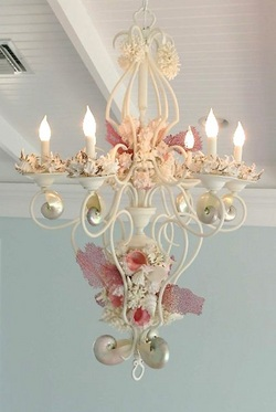 Click to see MORE seashell chandeliers!